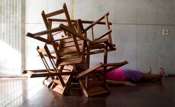 """Atividade de Christina Fornaciari: """"Invisibilidade social"""". Jovem do Programa Caput."""